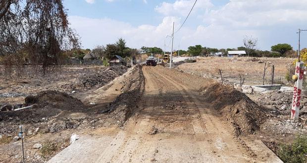 Con recursos del FISM, adoquinan calle en Santa Inés Ahuatempan