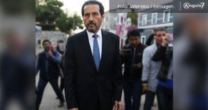 Docente de BUAP denuncia a Esparza por retención de salario tras criticarlo