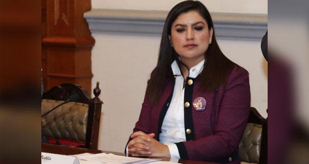 """Claudia Rivera """"desconoce"""" acusaciones de nepotismo contra titular del IJM"""