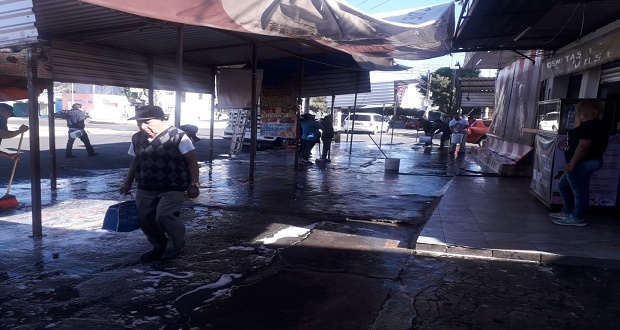 """Locatarios realizan limpieza en 6 mercados de la """"28 de Octubre"""""""