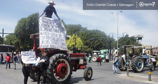Barbosa asegura a vecinos de La Resurrección que impedirá despojo de tierras