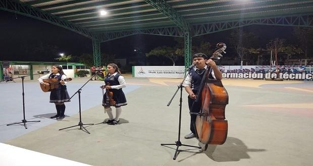 Dan cursos de danza, música y oratoria en CBTA de Tecomatlán