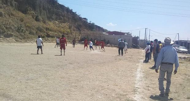 Para fomentar vida sana, disputan torneo de futbol en colonia Tlanesse