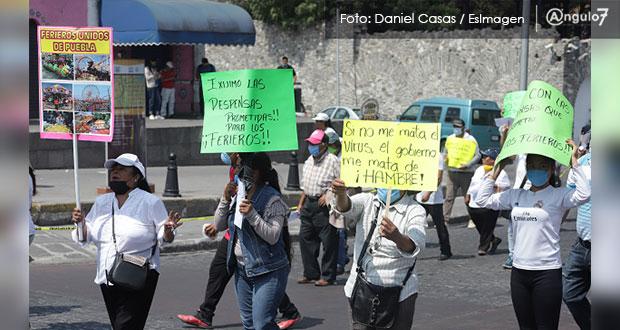 Trabajadores de ferias protesta en Casa Aguayo; piden despensas y créditos