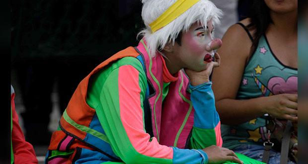 Payasos del zócalo piden apoyo a Comuna por Covid-19