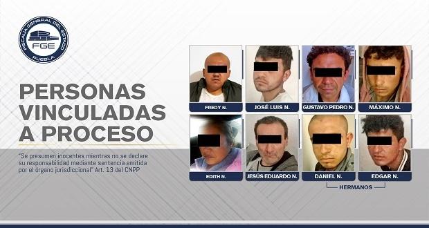 Fiscalía catea seis inmuebles y detiene a 8 en Chignahuapan