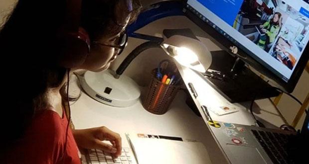 Conalep imparte curso a docentes para que enseñen desde casa