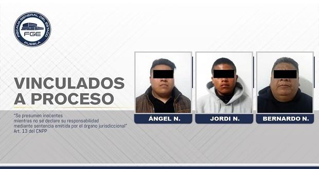 Padre e hijos vinculados a proceso por homicidio en Tehuacán