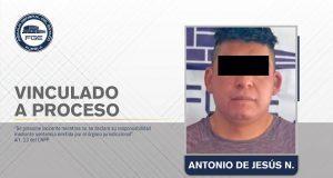 Lo vinculan a proceso por el feminicidio de su esposa en Tecali