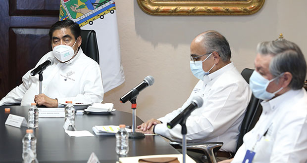 No se puede obligar a hospitales privados a recibir pacientes: Barbosa