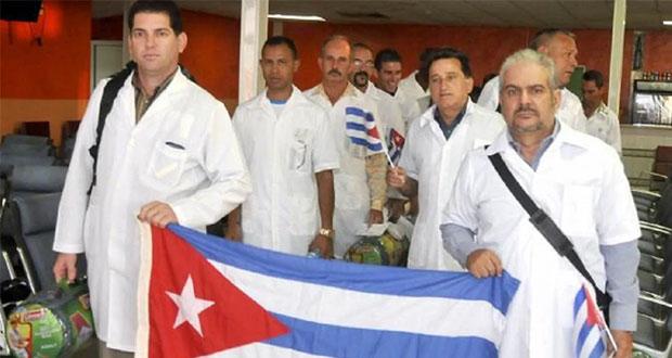 Médicos cubanos llegan a México para asesorar; no tratarán Covid-19