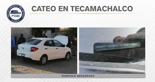 Fiscalía recupera vehículo robado durante cateo en Tecamachalco