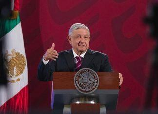 AMLO respalda Ley de Educación de Puebla; es para que no haya abusos: Barbosa