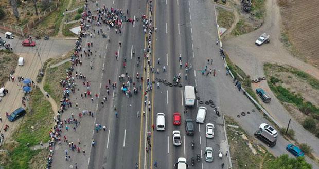 Segob dialoga con habitantes de Coronango y reabren autopista