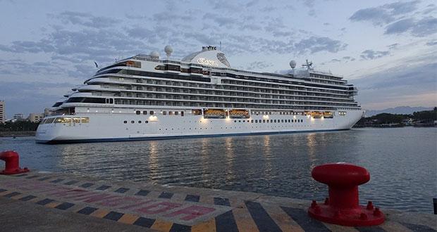 Crucero estará 30 días en Puerto Vallarta por razones humanitarias