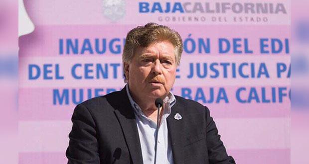 Catean casa de exgobernador de BC acusado de desvío de recursos