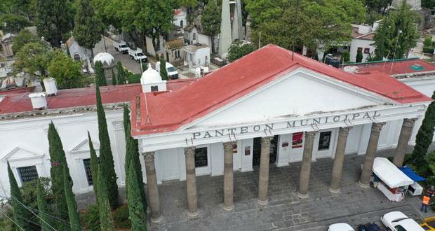 Analizan abrir panteones en Puebla capital con medidas sanitarias