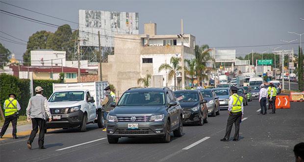 """Van al corralón 123 vehículos por no respetar """"Hoy no circula"""" en Puebla"""