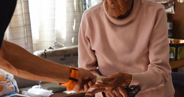 Con sana distancia, hay que evitar depresión en adultos mayores: IMSS
