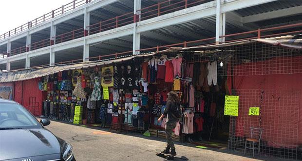 Ante falta de apoyos, reabren negocios no esenciales en Morelia