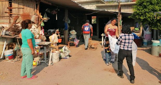 Antorcha sanitiza espacios públicos y casas en localidad de Cohetzala