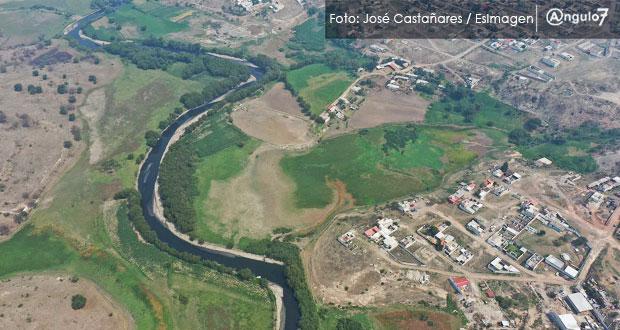 Gobierno clausurará empresas que contaminen el río Atoyac: Barbosa