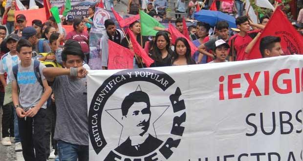 Normalistas en Mixteca exigen internet para clases en línea: Antorcha