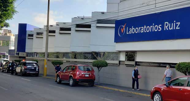 """SAT """"cierra"""" Laboratorios Ruiz de Dorada; desalojan a personal"""