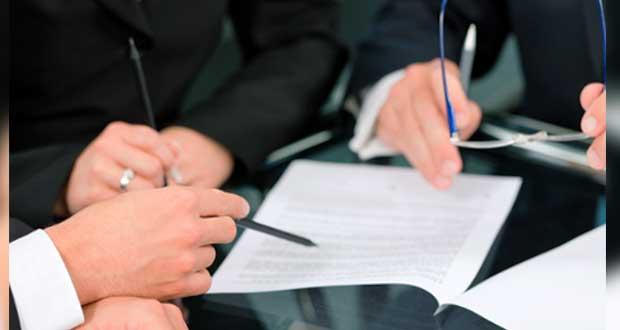 Gerente de auditora externa de BUAP, accionista en firma dirigida por Esparza