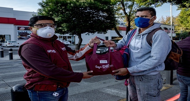 Ayuntamiento da kits de sanitización a usuarios de RUTA