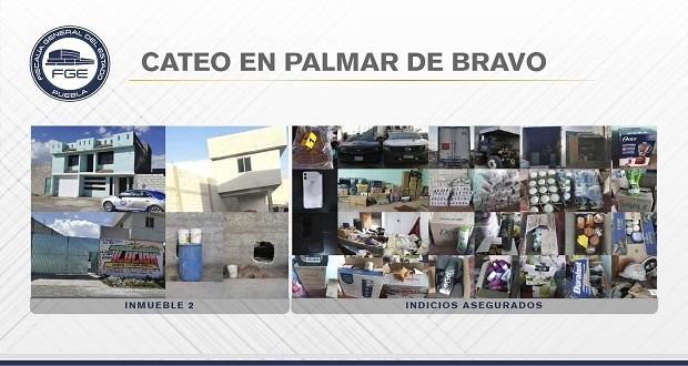 En Palmar de Bravo, Fiscalía catea 2 inmuebles y asegura vehículos