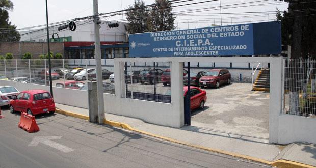 81 reos de 3 penales de Puebla son trasladados al Ciepa; tienen Covid: Segob