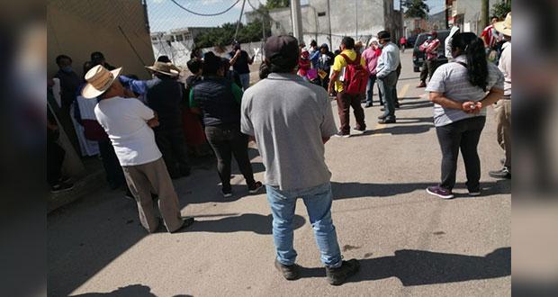 Frente a CFE, habitantes de Amozoc acusan cobros desmedidos