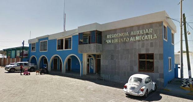 Edil de Cuautlancingo solapa toma de presidencia de Almecatla, acusan