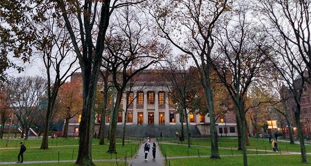 Universidades de EU van contra deportación de alumnos extranjeros