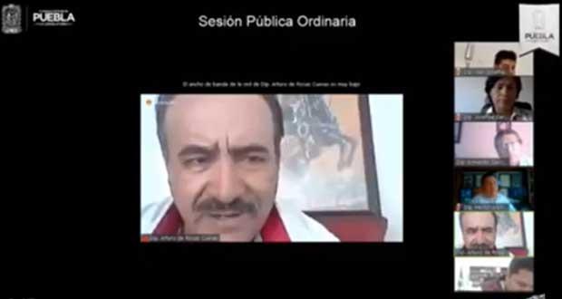 En plena sesión, diputado de Morena en Puebla insulta a compañera