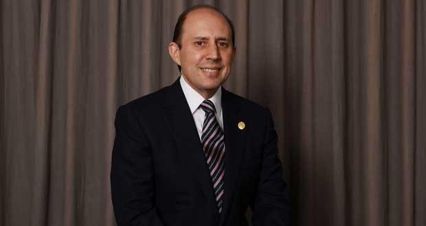 Compensar a personal médico durante pandemia, propone Manzanilla
