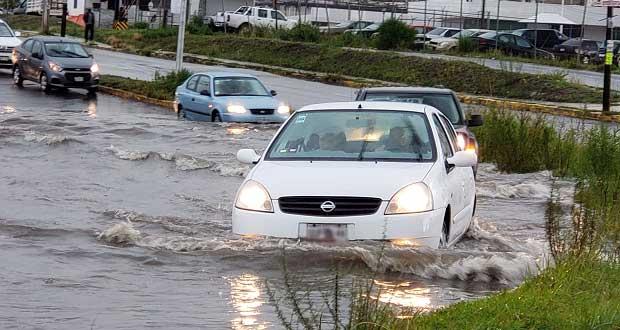 Tras fuerte lluvia, se inundan avenidas y casas en Puebla capital. Foto: José Castañares/EsImagen