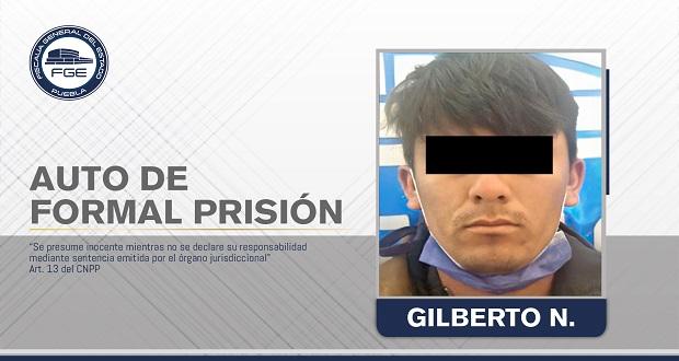 Dan prisión a hombre acusado de abusar de una menor