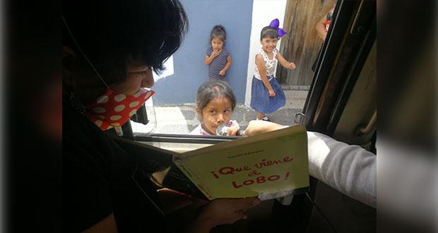 Por Covid, recorren las calles de El Alto para dar lecturas a domicilio