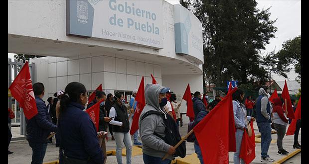 Profesores de Antorcha piden a SEP pago de horas atrasadas