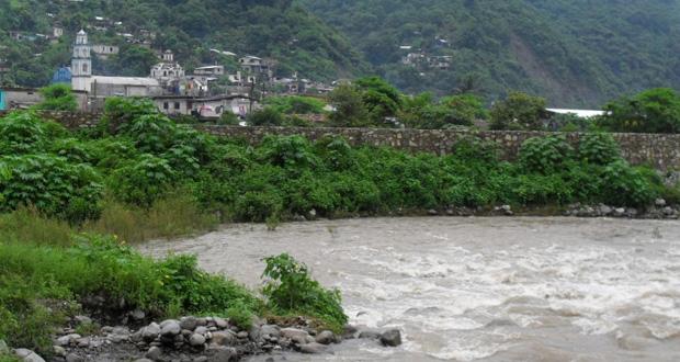 5 municipios de Sierra Norte, en riesgo ante posible deslave de ríos