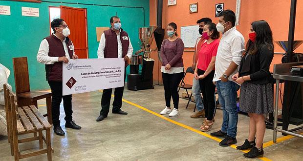 Entrega Secretaría de Trabajo equipamiento a cooperativa de Zacatlán