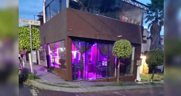 Sin permisos y en pandemia, abren bar en fraccionamiento de Castillotla, acusan
