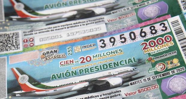 Tres escuelas de Puebla ganan sorteo de avión presidencial