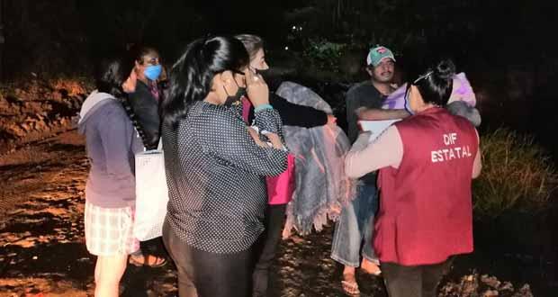 Atiende DIF a familias de Izúcar damnificadas por lluvias