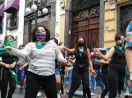 """Montan """"perreo"""" frente al Congreso para exigir aborto legal"""