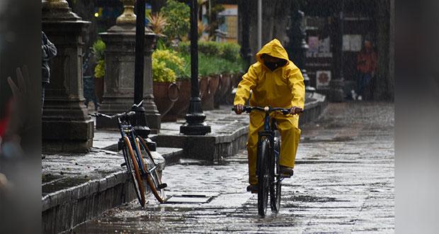 Otra vez, inundaciones en la ciudad de Puebla por fuerte lluvia