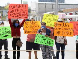 Cierran la México-Tehuacán; exigen cancelar gasolinera en Tehuacán
