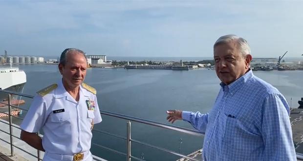 Con Marina, combatiremos corrupción y narcotráfico en puertos: AMLO